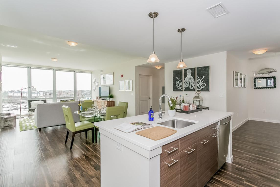 Beacon Harbor Point Apartments - Stamford, CT from $8,8 per