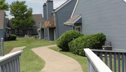 Lexington Commons Photo 1