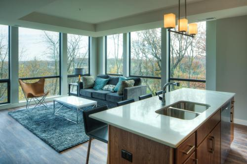 The Island Residences at Carlson Center Photo 1
