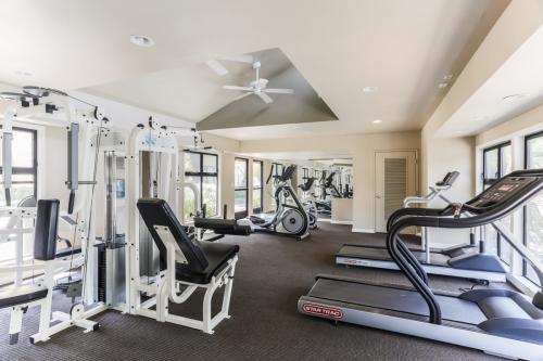 Gatewood Apartments Photo 1