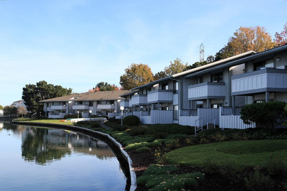 Beach Cove Apartments Foster City
