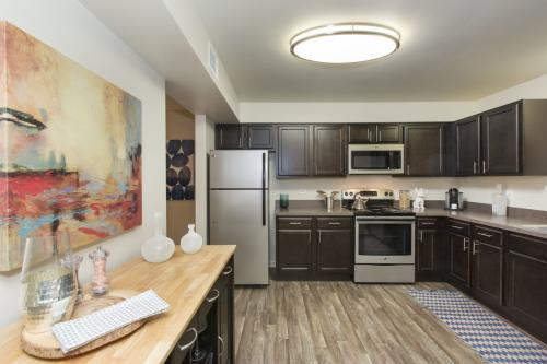 Bourbon Square Apartments Photo 1