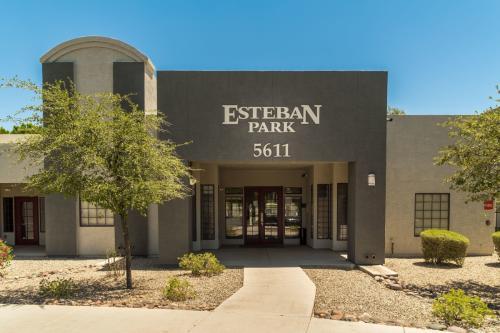 Esteban Park Photo 1