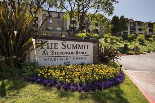 The Summit at Stevenson Ranch Photo 1