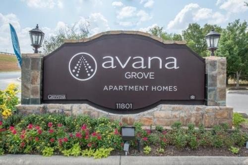 Avana Grove Photo 1