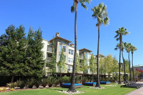 Enclave CA Photo 1