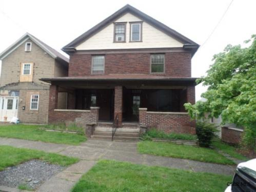 765 Linden Ave Photo 1