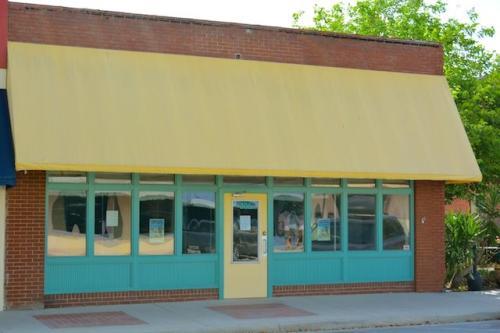 306 Reid Ave Photo 1
