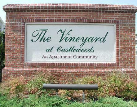 1000 Vineyard Drive Photo 1