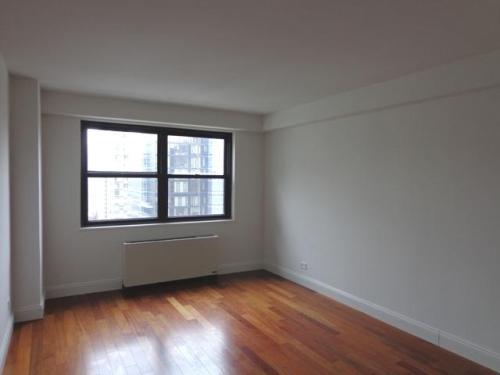 305-315 E 86th Street 20DE Photo 1