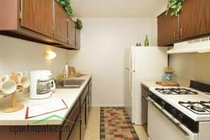 Willow Creek Apartments Photo 1