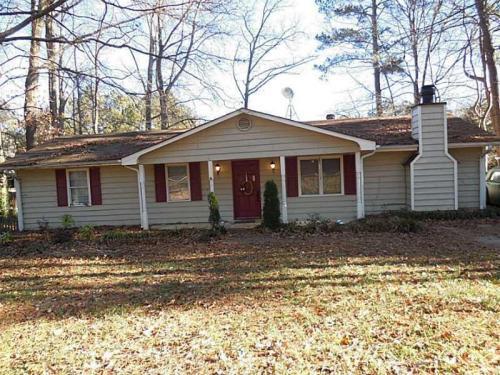 1140 Pine Crest Terrace Photo 1