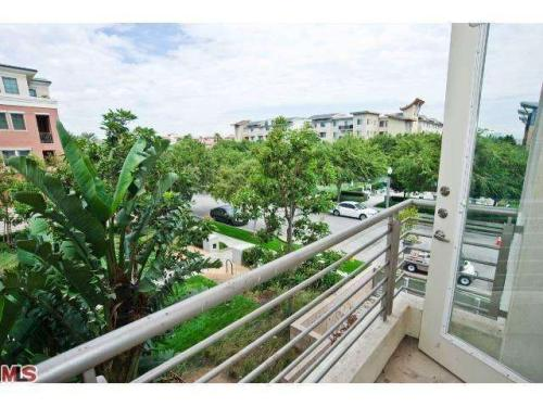 Apartment Unit 207 at 6565 Crescent Park W, Playa Vista, CA 90094 ...