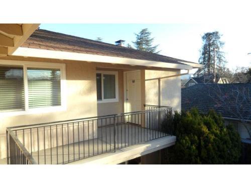 659 College Ave 659 Photo 1