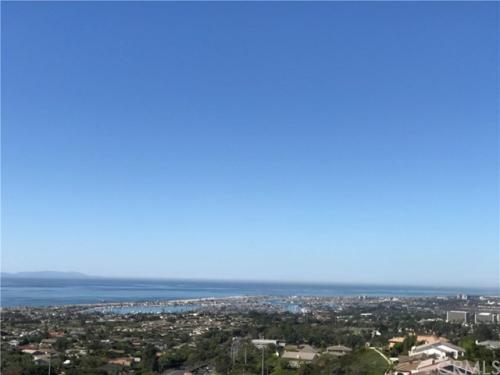 37 Montecito Drive Photo 1
