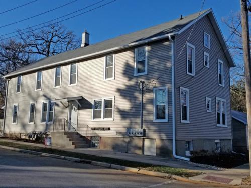 3 Oak Street Photo 1