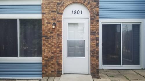 1801 Raleigh Lane Photo 1