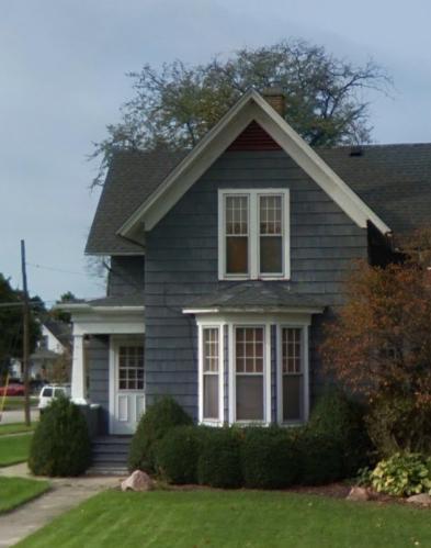 206 Oak Street Photo 1