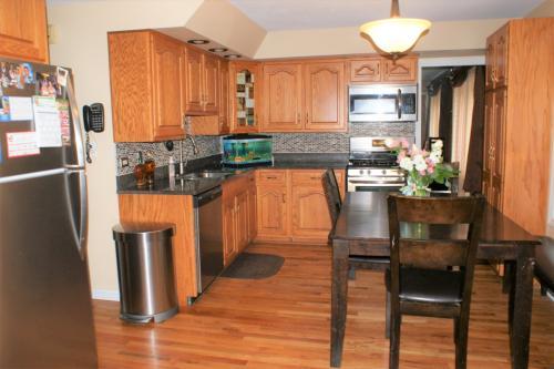 5737 W Maple Avenue Photo 1