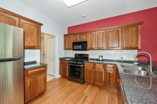 6285 Edgebrook Lane Photo 1
