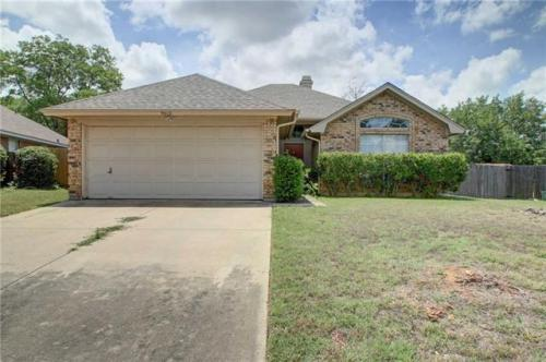 9012 Topperwind Court Photo 1