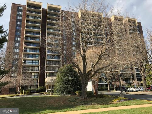 7401 Westlake Terrace Photo 1