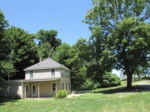 196 Warren Avenue Photo 1