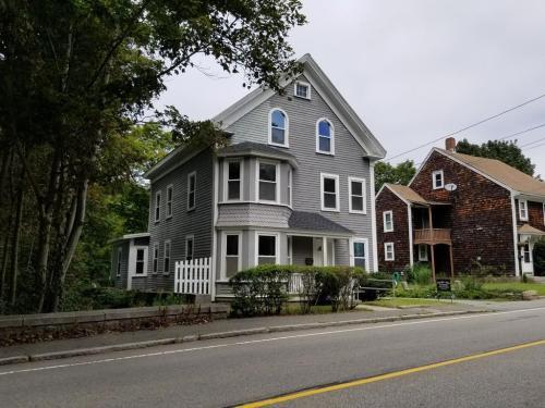 880 Washington Street Photo 1
