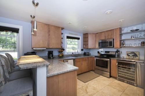 299 Forest Avenue Photo 1