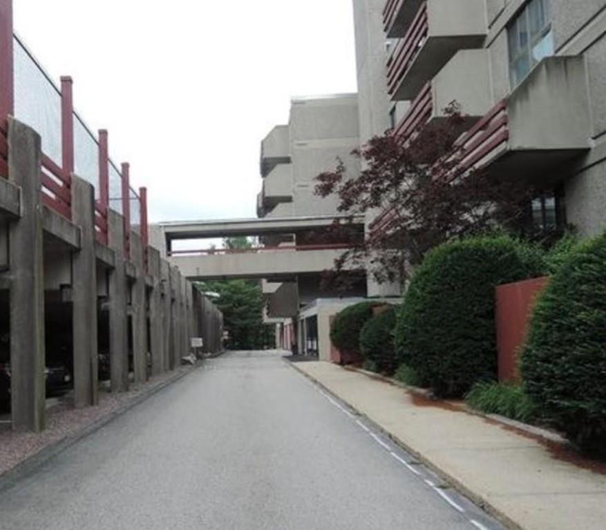 55 Tall Oaks Drive 703