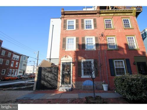 215 W Wildey Street Photo 1