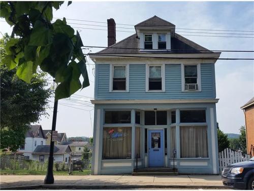 215 Center Avenue #2 Photo 1