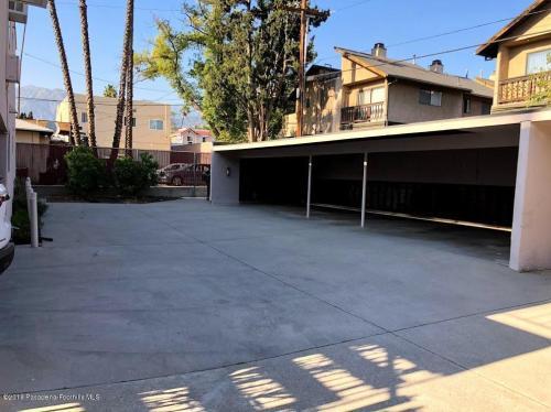 48 S Oak Avenue #3 Photo 1