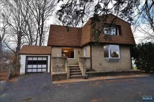 245 Forest Ave Photo 1