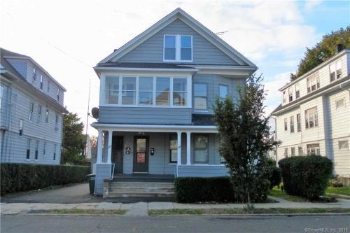 169 Kent Avenue Photo 1