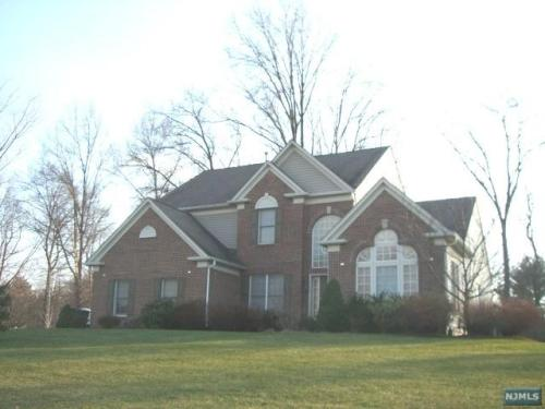 107 Twinberry Court Photo 1