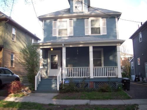 39 Edgewood Rd Photo 1