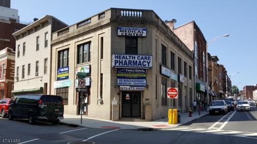 15 Broadway Photo 1