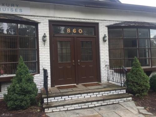 860 Bloomfield Avenue Photo 1