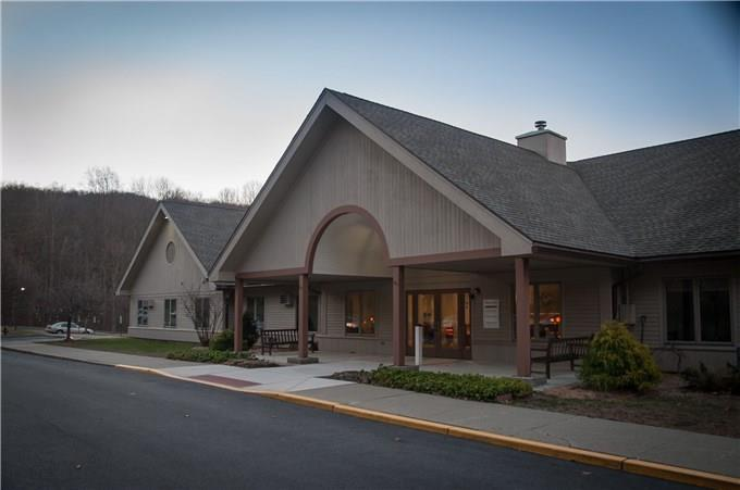 Apartment Unit 15 At 200 Chestnut Grove, New Milford, CT 06776   HotPads