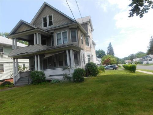 292 Deerfield Rd Photo 1