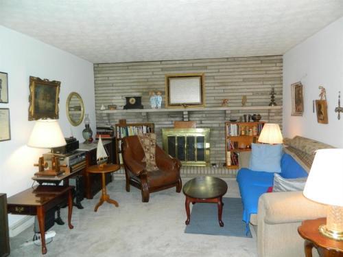 4875 Potomac Drive Photo 1