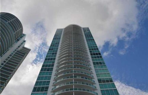 2101 Brickell Avenue #1418 Photo 1