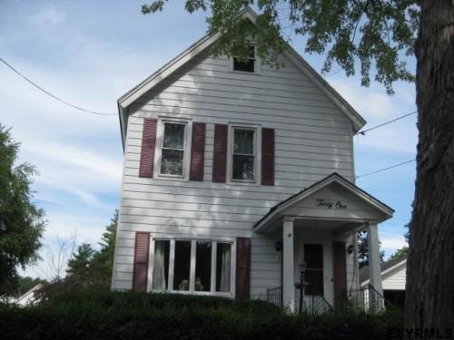 31 Pearl Street Photo 1