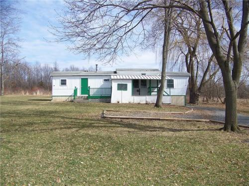 6951 E Lake Road Photo 1