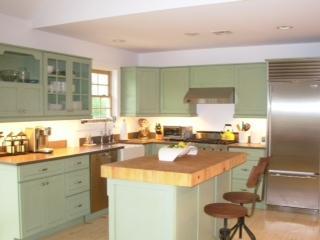 6 Ludlow Green Photo 1