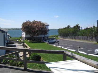 81 E Lake Drive Photo 1
