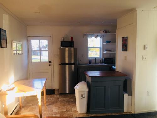1305 Sandy Beach Rd - Cottage 1 Photo 1