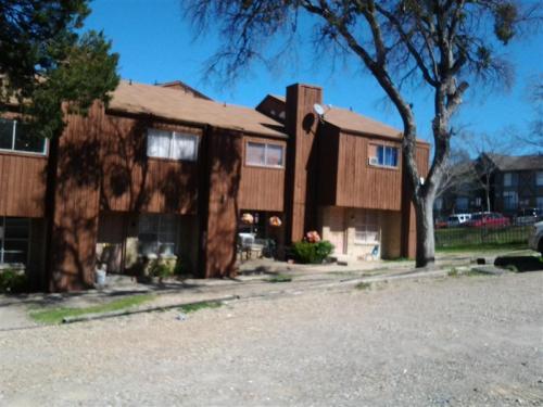 2107 Highland Drive 101 Photo 1