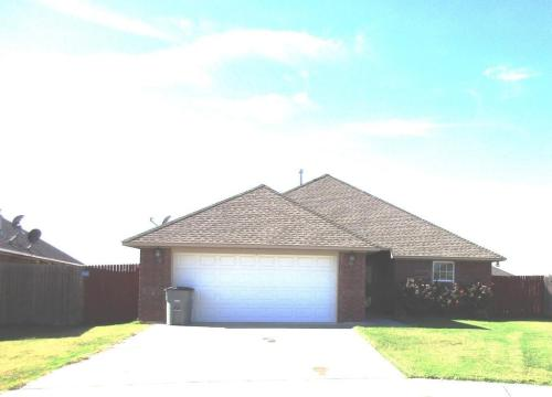 2303 SW Rolling Hills Photo 1